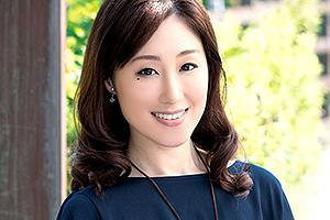 【初撮り人妻ドキュメント】沢田桜 泣きボクロが色っぽい美人妻が浮気SEXで絶頂!