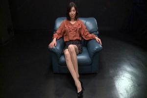 青山愛 美脚スレンダー熟女が催眠オナニーでアナルにバイブ挿入で気持ちよくなっちゃう