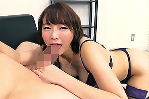 涼川絢音 ドM男の敏感乳首をずっと責めてくるショートカットな童顔痴女お姉さん