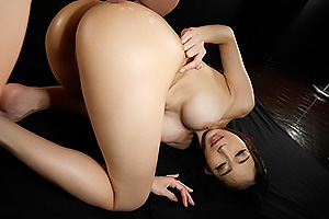 蓮実クレア デカ尻お姉さんの美尻を堪能する挿入映像!アナルも丸見えバックハメ!