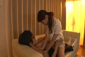 篠田あゆみ たった一度の義務筆おろしのハズが息子のチンコにハマって母子相姦しまくる巨乳母