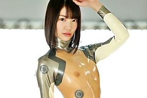 鈴木心春 キャットラバースーツで着衣セックスでピタコスプレイ中出しされる巨乳美女