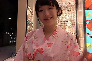 姫川ゆうな 清楚系美少女がスク水姿のキッチンで健気な濃厚フェラする可愛い顔に顔射ぶっかけ