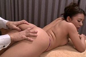 松本メイ 美尻美女が性感オイルマッサージで乳首まんこを刺激寸止め焦らしプレイ