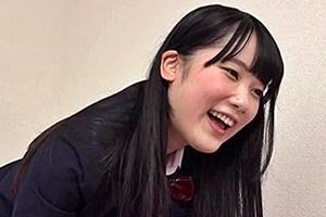 笹本奈緒 ムチムチ太もも妹JKのパンツを見て勃起したちんこを手コキフェラしてくれる