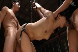 神納花 鉄製の拘束器具で捕らえた女にアナル調教!器具で拡張された肛門を犯す拷問ファック!