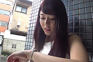 浜崎真緒 巨乳美女が愛人となって不倫デート!服を脱がされワキの下と乳首を舐められる