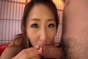 篠田あゆみ 色気の凄いお姉さんが男のちんぽを淫語を浴びせながらいやらしくフェラチオ