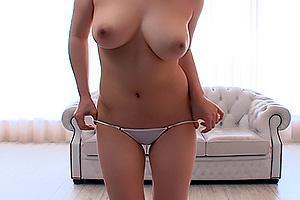 矢野未夏 巨乳の着エロアイドルがパンツを脱いで未処理の陰毛を露出するイメージビデオ!