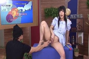 大槻ひびき 清楚なアナウンサーがセックス実況中継!カメラ目線で卑猥な淫語!