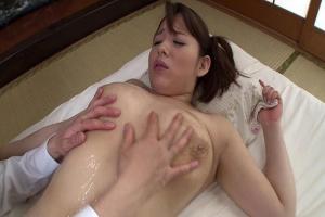 三島奈津子 熟女叔母さんの手コキで巨乳に精子ぶっかけ!お尻おっぱいローションでヌルヌル