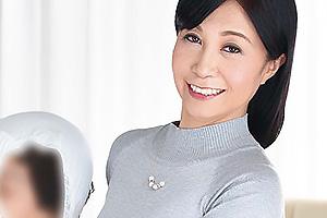 戸澤佳子 フェロモンムンムン五十路色欲ママの馬乗りピストンセックス