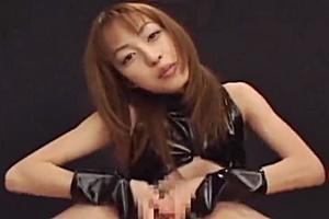 及川奈央 小悪魔美女の乳首責め&激しい手コキで勃起チンコシゴカれ絶頂へ