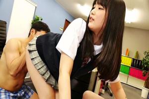 宮崎あや 美少女JKが教室で男子生徒達の乳首をいやらしく責める淫乱痴女だった