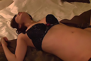 清城ゆき 巨乳美人エステティシャンをナンパしホテルでSEX手マンでイカせフェラしてもらう