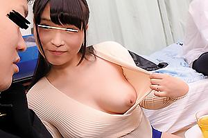 日比乃さとみ 美人で巨乳でたまらない友人の母親で童貞卒業中出しセックスしちゃいます!