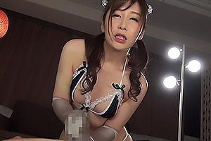 佐々木あき メイドコスチュームの美女が早漏改善のため寸止めトレーニング!隠語連発エロ手淫!