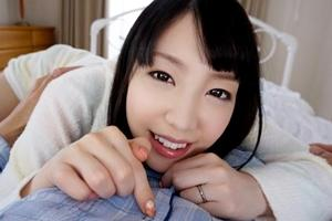 鈴木心春 美女がモーニングフェラパイズリでザーメンを搾り取る!その後ソファーでセックス始めちゃう