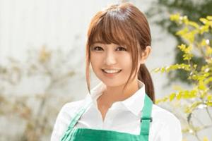 伊藤くるみ 目黒区の珈琲店で働く笑顔が素敵な女子大生デビュー