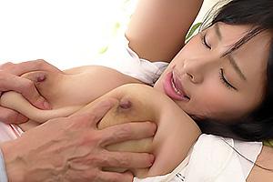 春菜はなムチムチ爆乳の美人な人妻が旦那の上司に犯され弱みを握られて何度も犯される