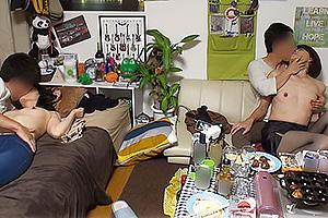 古川祥子 スレンダー美熟女人妻がイケメンに部屋に連れ込まれクンニ手マンでイカされちゃう