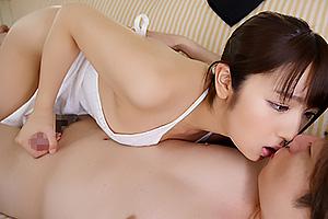 神咲詩織 裸エプロンで誘惑してくるむちむち美巨乳な若妻さん!ぶっといチンポをディープスロート
