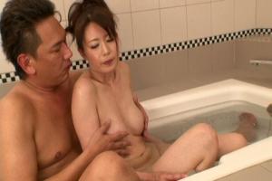 三浦恵理子 あの手この手でいっぱい気持ち良くしてくれる巨乳熟女のドスケベご奉仕模様