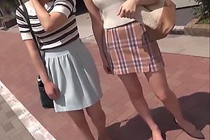 【マジックミラー号】清楚系女子大生コンビをナンパ成功!電マと手マンでポルチオを刺激され絶頂