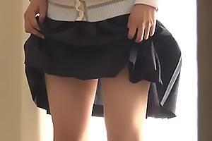 伊織涼子若菜亜衣アイドルに憧れる娘と元モデルのお母さん!パンチラしながら写真撮影