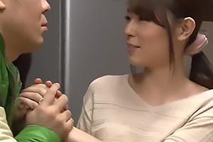 今井真由美 パチスロばかりしている後輩に美人な奥さんを口説かれる!巧みな話術でNTRキスに持ち込む