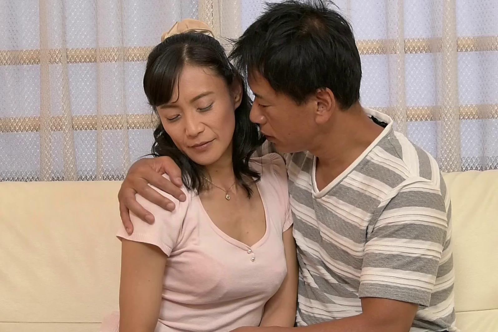 平岡里枝子 仕事のストレスと旦那への不満からナンパされた男について行き不倫に走る四十路の人妻
