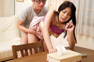 一条綺美香 巨乳の美人妻が不倫中に着信!夫としゃべりながらNTRちんぽで立ちバック