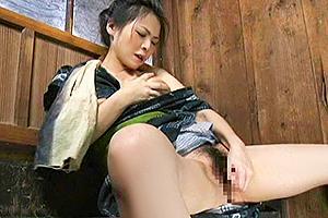 【ヘンリー塚本】昭和のオナニーやば…。新鮮きゅうりをディルドにしてマンコに突き刺す!