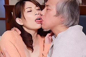 中森いつき 美乳スレンダー妻が八百屋の主人と不倫SEX濃厚キスしハメられ絶頂