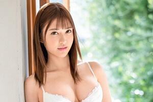 蜜美杏 19歳AV大好きFカップ美女がプレステージ専属デビュー