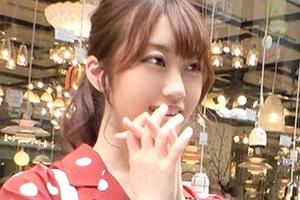 【ナンパTV】丁寧なご奉仕フェラする美少女がデカチンで突かれて喘ぎまくる!