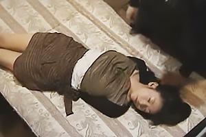 【ヘンリー塚本】拘束した社長夫人を拉致監禁!美熟女の肉体を凌辱して鬼畜レイプする