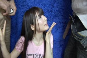 早乙女ルイ かわいい女の子が両手で手コキしてフェラ口内射精された精子をごっくん