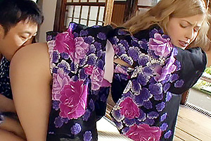 着物が似合う金髪美少女が日本人の仲南親父になすすべなく犯されハードピストンからの種付け!