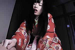 宮沢ゆかり 和服美少女に寝込みを襲われ乳首舐め手コキフェラでヌカれる