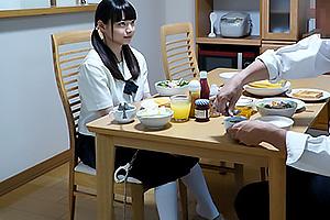 椎奈さら マイクロボディな幼な妻!朝食のついでにフェラする従順な美少女ロリ奥様