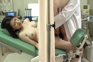 産婦人科医が変態だった結果!巨乳奥さんが言いくるめられて種付けレイプされてしまう!
