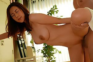 松下紗栄子 巨乳パイパンナースが患者とSEX手マンでマンコ濡れハメられ絶頂
