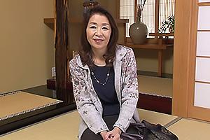 多岐川翔子夫に内緒で浮気している五十路熟女がAV出演!脱衣してランジェリー姿を大公開