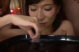 水希杏 癒し系の激カワお姉さんがちんぽをフェラ抜き!射精されたザーメンを舐めまわしごっくんするの画像です