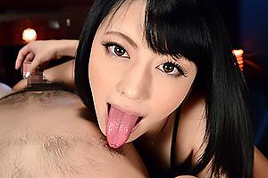 桜井あゆ美人痴女が見せつけオナニー潮吹き絶頂&騎乗位腰振りでオナニーサポート