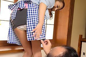 北川エリカ 義父の介護をしていた巨乳の人妻!パンツに興奮してフル勃起した肉棒を手コキ