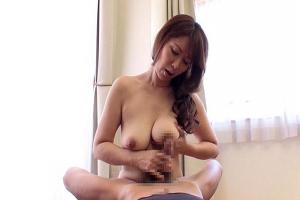 翔田千里 エロいスタイルをしているスレンダー巨乳熟女な人妻は家事もご奉仕も全力でしてくれる!