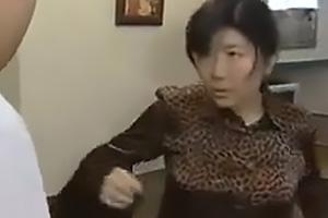 【ヘンリー塚本】若松愛子 ホテルに着くと即脱ぎする男女!あっという間に全裸になり貪りあう巨乳熟女