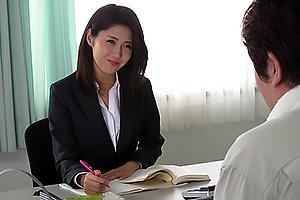 原ちとせ 憧れの人妻女教師に近づき襲い掛かる管理人!無理矢理スーツを剥ぎ取り鬼畜レイプ